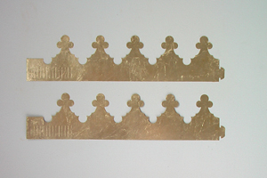 One Size Fits King Gold Leafed Burger Crown Set Of Two 2008